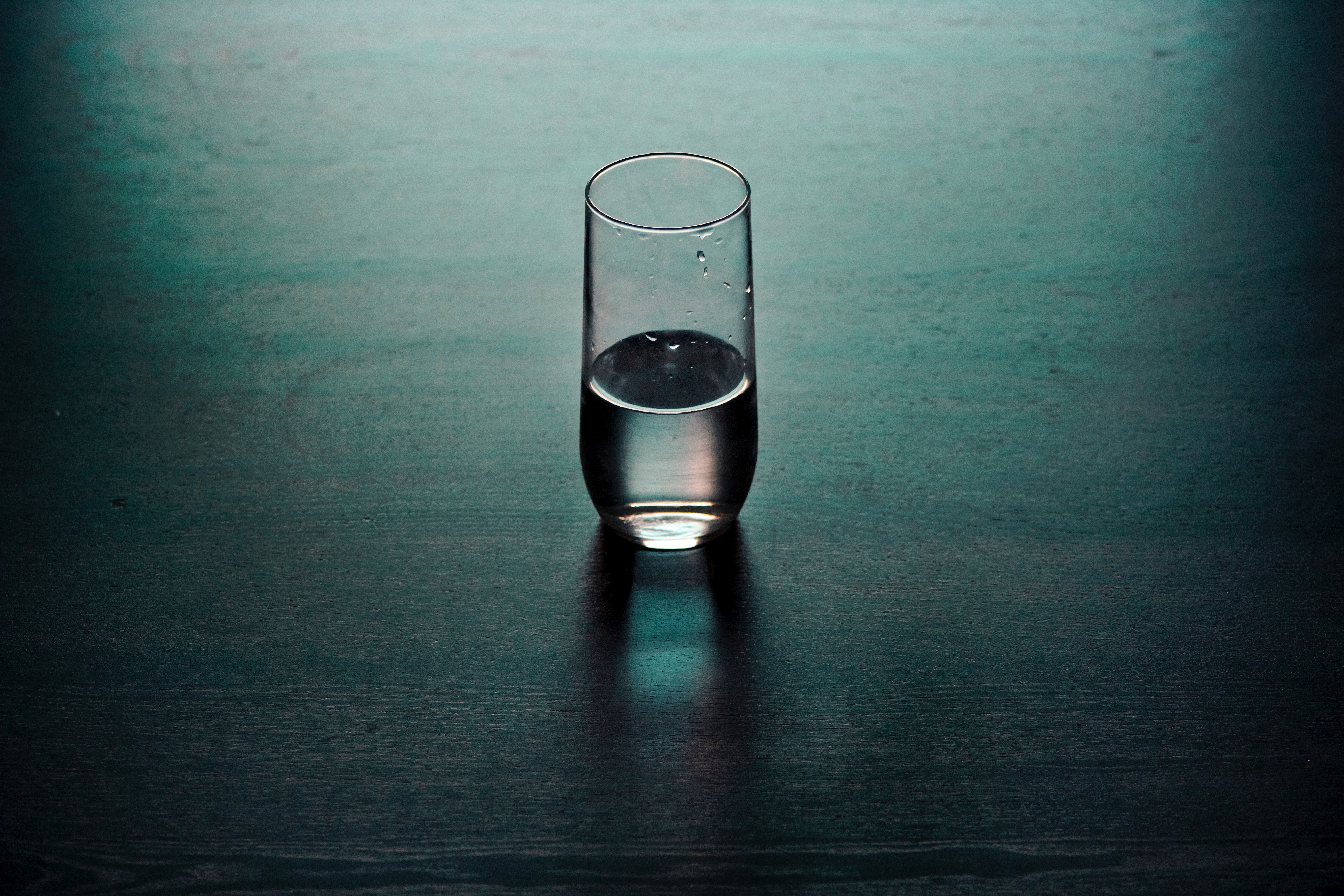 glass of water travelling