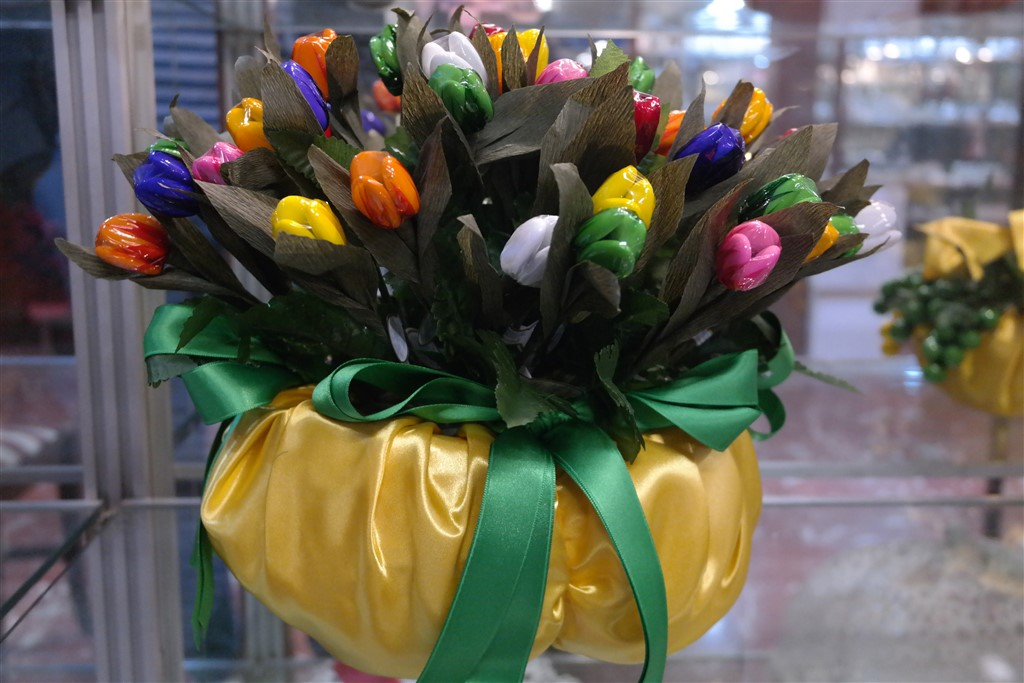 confetti pelino tulips